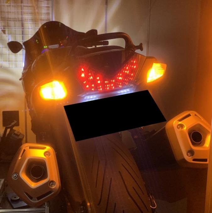 LEDスモークテールランプ、前後LEDウインカー交換
