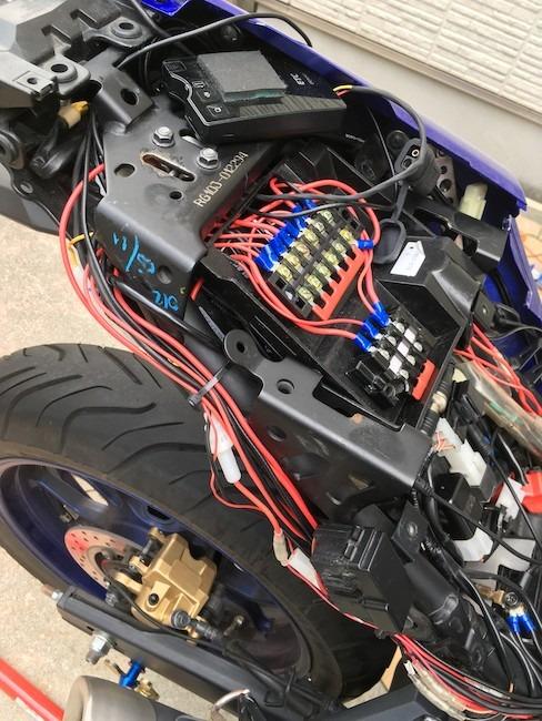 『バイクのアクセサリー電源確保』右側配線へ改良版