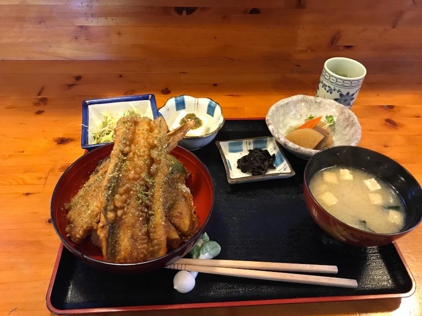 伊豆の白田で昼食